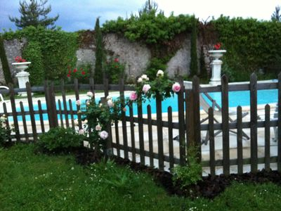 Photo for Tours Saint-Cyr, the countryside to the city, swimming pool, rest stop, access PMR,