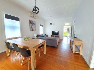 Photo for Comfortable convenient house near cafe's & The Gabba