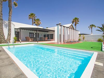 Photo for Villa Vista Al Mar - Villa for 8 people in Costa Teguise