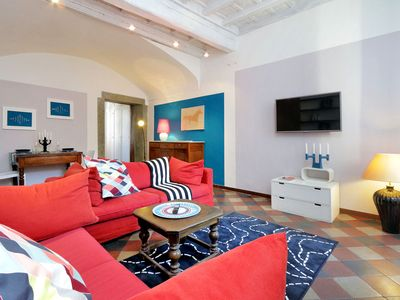 Photo for Dorotea Trastevere apartment in Trastevere with WiFi & air conditioning.
