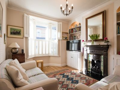 Photo for Warming 3 bed home in the beautiful area of Richmond (Veeve)