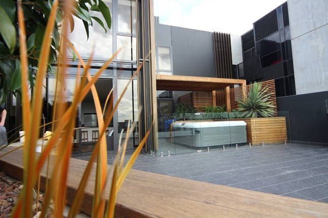 Bravo Three Bedroom Penthouse Homeaway Melbourne