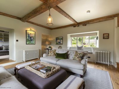 Photo for Crooked Cottage, Hook Norton, Cotswolds