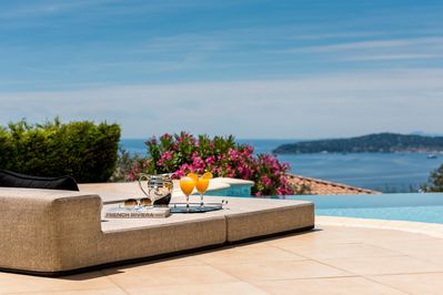 breathtaking view at the heated pool overlooking the sea at Villa Monaco