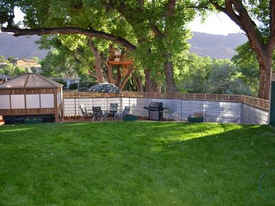 """Photo for """"Rustic Retreat"""" 4BR Moab Townhome!"""
