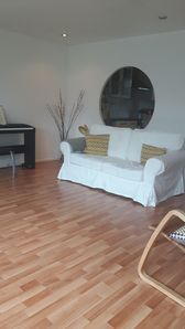 Photo for Charming 2 Bedroom Apartment in East London
