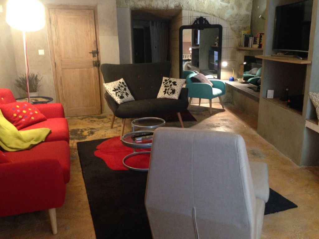 Uzes Historic Heart 145 M2 Of Comfort Authenticity In House Air Conditioning Swimming Pool