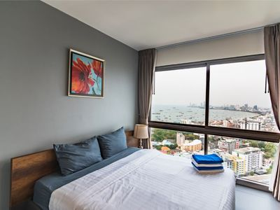 Photo for ⭐ Special Deal ⭐ Epic Bay View ⭐ Cozy Studio 30Fl, Bang Lamung Pattaya