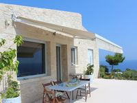 Fantastic comfortable house, very peaceful with amazing views