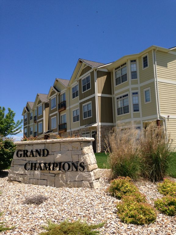 Upscale Townhome Located At Colbert Hills Golf Course Unbelievable Views Manhattan New York