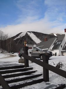 Photo for Sunrise Village/Bear Mountain, Ski Lift, Pool, Hot Tub and Gym, Sleeps 6, 3BR