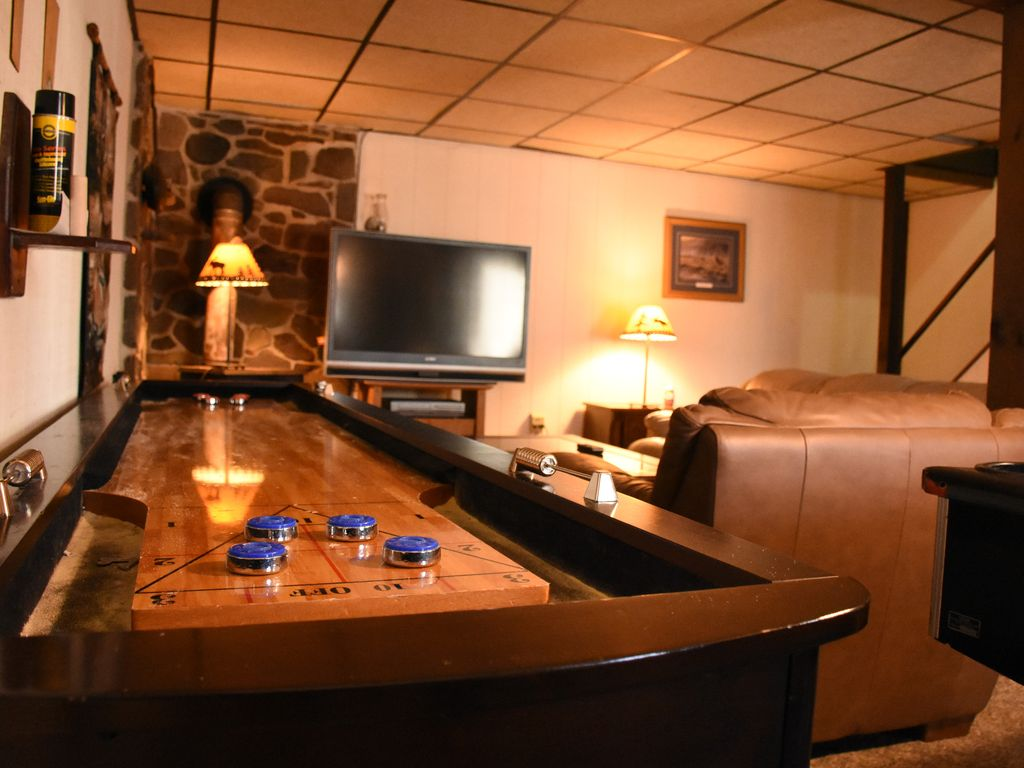 lake village chat rooms After a busy day of exploring lake superior, retreat to one of the 268 rooms and suites at radisson hotel duluth to catch up on work emails or chat with.