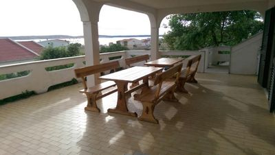 Photo for Four bedroom apartment with terrace and sea view Kustići (Pag)