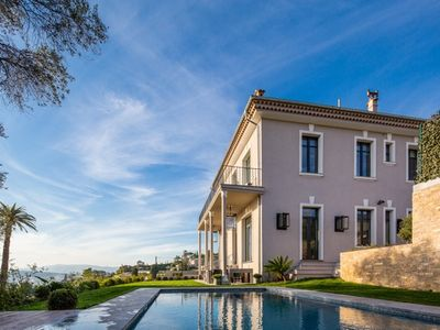 Photo for Beautiful residence on the top of the hill of la Californie with stunning views.