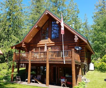 Photo for Perfect log home in lakefront community, with kayak!