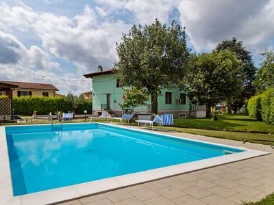 Photo for Appealing Villa in Castelfranco di Sotto with Private Pool