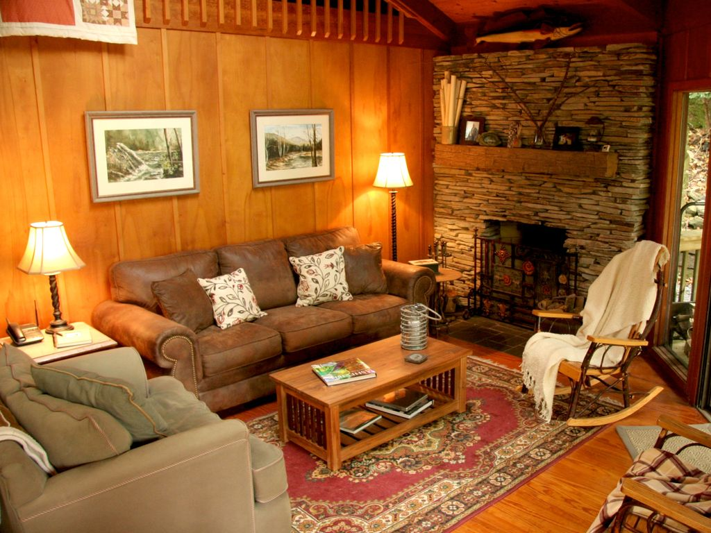 Cozy Treehouse By Mt Mitchell Golf Course Fishing