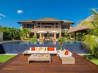 Photo for Luxurious villa, private beach, ocean views, infinity pool, fully staffed