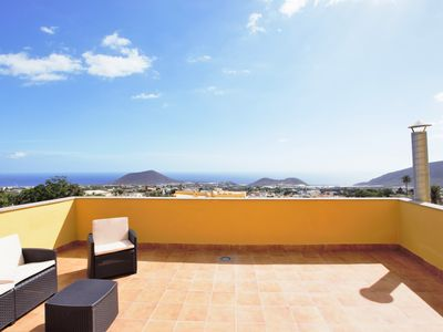 Photo for Fabulosos Attic with Ocean & Mountain Views - Apartment for 6 people in Güimar