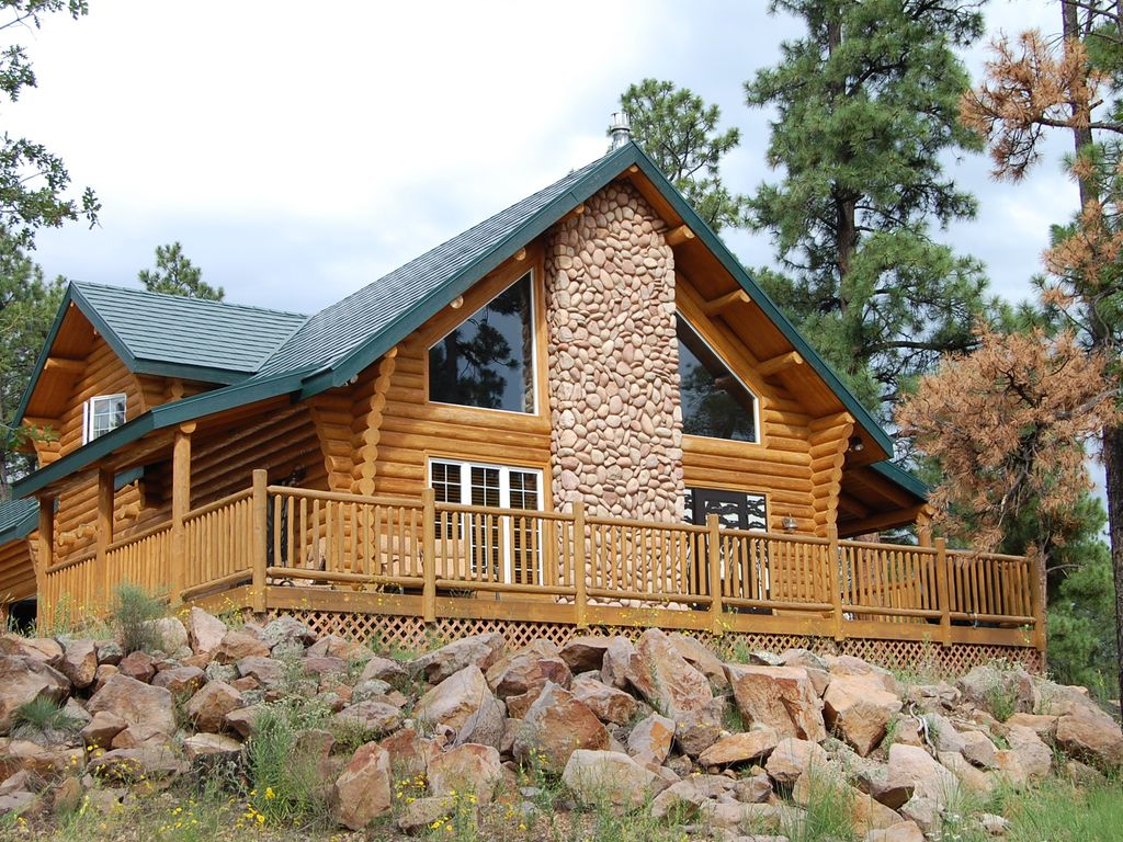 Private cabin in the forest grand canyon homeaway for Az cabin rentals with hot tub