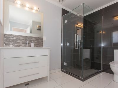 Photo for Stunning newly refurbished 3 bedroom house