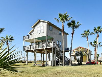 Dreamcatcher beachside home in Sunny Beach with breathtaking views of the beach!