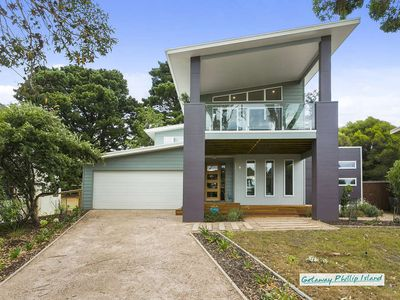 Photo for Stunning four bedroom beachhouse in beautiful Ventnor, Phillip Island