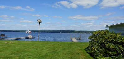 Relax on the lake with exceptional views+own dock+garden+BBQ+WIFI.