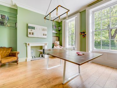 Photo for Spectacular 4BR Townhouse in Georgian Quarter, free parking