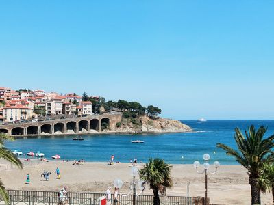 Photo for NEW T3 apartment. IN 1st LINE OF THE SEA, 20 m. from the beach. Village view.
