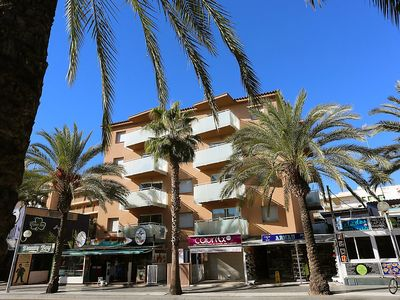 """Photo for Apartment a short walk away (170 m) from the """"Playa de Levante"""" in Salou with Internet, Air conditioning, Lift, Balcony (105561)"""