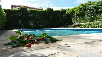 Photo for Comfort, rustic, landscapes, fireplace, barbecue, swimming pool, 10 minutes from the city