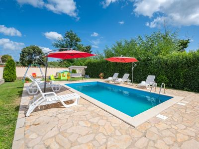 Photo for Vacation home Lorena  in Tinjan, Istria - 10 persons, 4 bedrooms