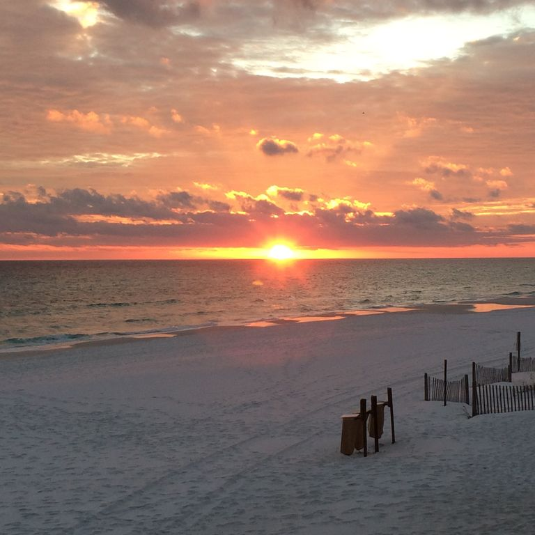 Relax And Enjoy Amazing Gulf Views, Great L...