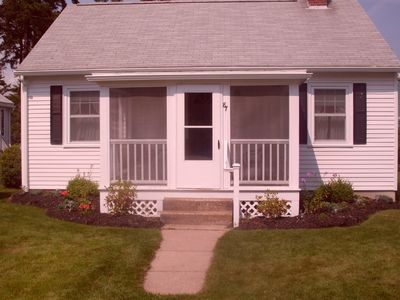 Photo for Quaint Cottage 2 minute walk to Footbridge Beach, Great Spring and Fall rates