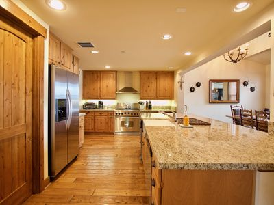 Photo for Lodges 1204 stunning lodge decor with Mountain and golf course views!