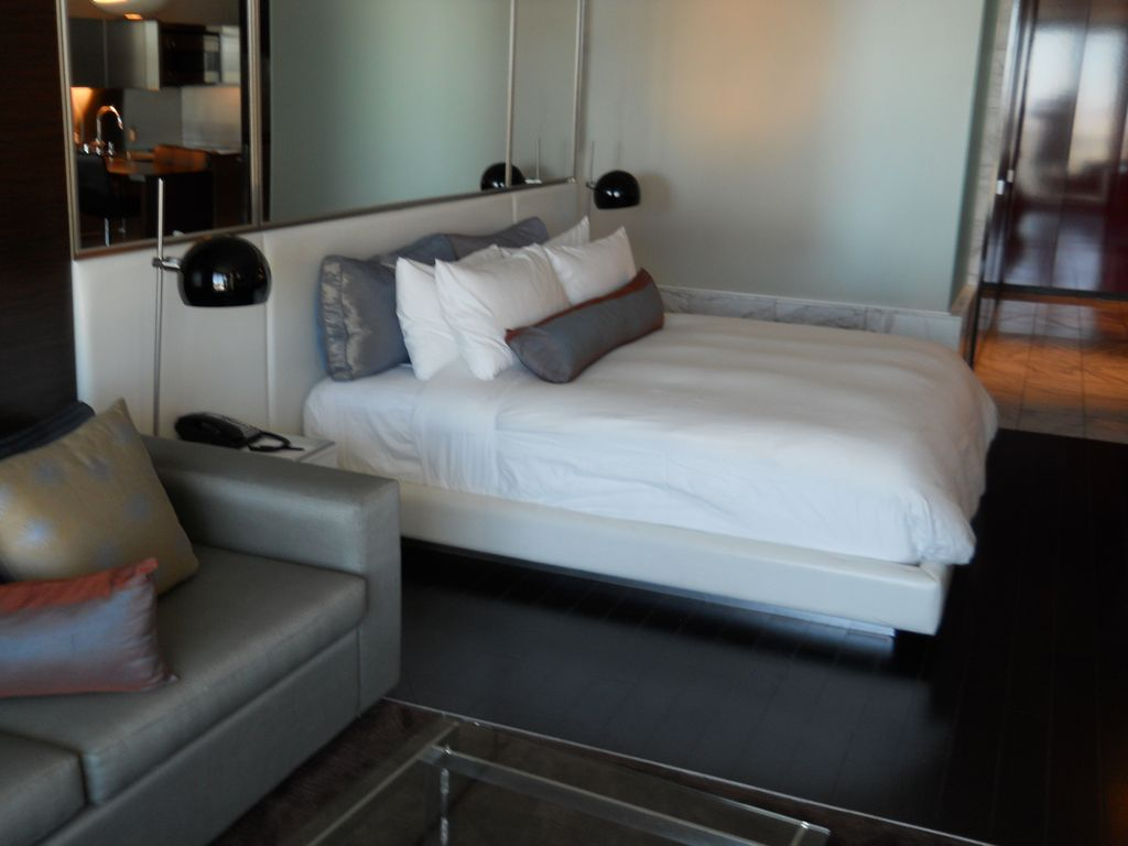 Stay In Style & Reserve Now! 25th Floor, Strip Views - Fall Dates Now Open!