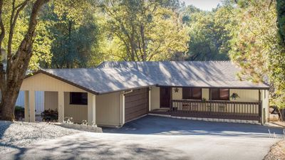 Photo for YOSEMITE/MOUNTAIN GETAWAY - one story house in Pine Mtn Lake/Groveland, sleeps 6