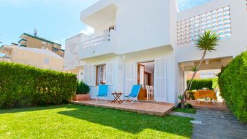 Search 5,620 holiday rentals