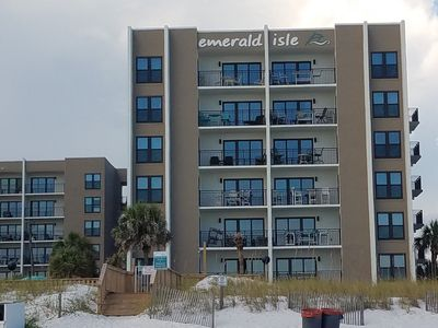 Photo for Okaloosa Island, the perfect getaway,  steps from the pool and beach.