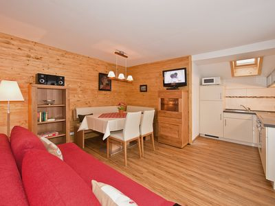 Photo for Guesthouse in Mittenwald with comfortable 4-star apartment