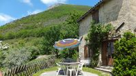 Nice house in spectacular mountain area with very friendly hosts