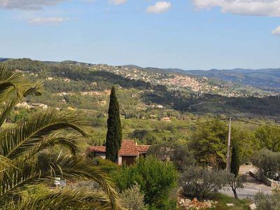 Photo for Beautiful Provencal villa with Stunning views & air-conditioning.