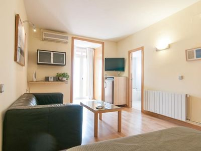 Photo for Mini San Miquel apartment in Gràcia with WiFi, air conditioning & private terrace.