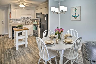 Clear the calendar for a bit of R&R at this vacation rental condo in Hilton Head