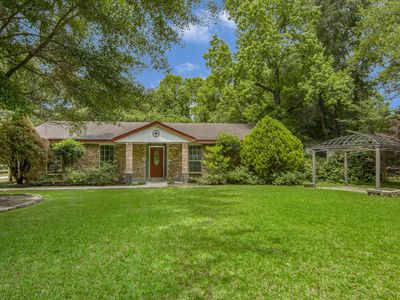 Photo for Peaceful retreat near The Woodlands, TX