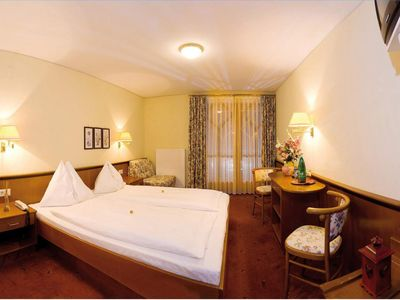 Photo for Double room with shower od. Bathroom, toilet, west side - Wohlfühlhotel Martinerhof