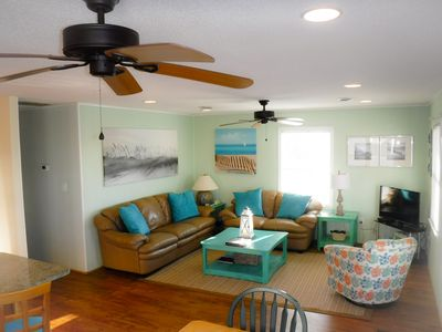 Photo for Oceanside! Bright & Beachy 3 Bedroom Hot Tub WIFI Dog Friendly Walk to Beach