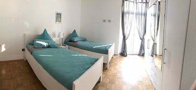 Photo for Apartment / app. for 8 guests with 150m² in Essen (93697)