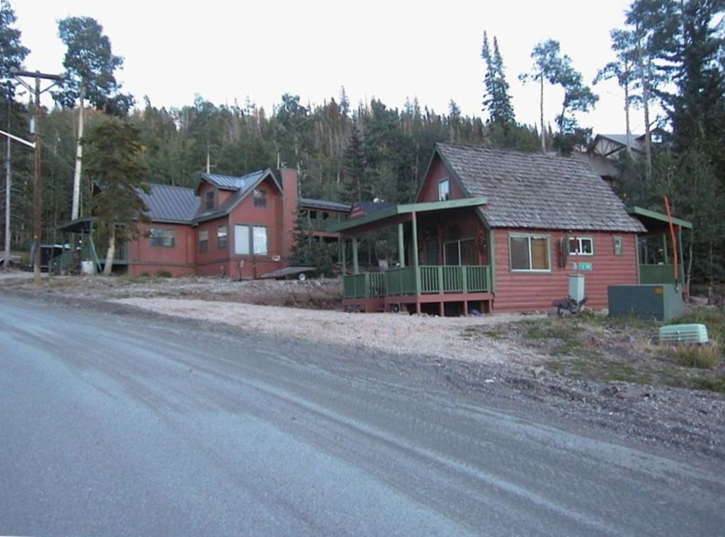 Our 4 bedroom close to zion and bryce national for Brian head ski resort cabin rental